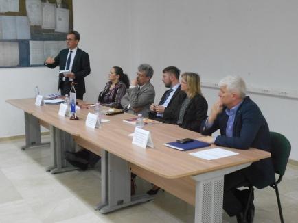 Punţi de legătură: Triplă lansare de carte la Universitatea din Oradea (FOTO)