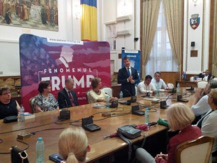 'În această seară vorbim despre un vis': Mihai Neamţu a lansat 'Fenomenul Trump' la Primăria Oradea (FOTO)