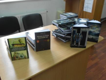 Lecţie despre 'adevărurile ascunse'. La Biblioteca Judeţeană au fost lansate noi volume de istorie (FOTO)