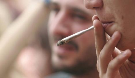 Consumul de marijuana grăbeşte apariţia schizofreniei