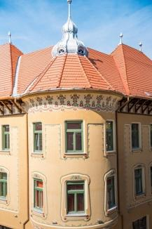 A prins culoare. Faţadele palatului Stern au fost reabilitate (FOTO)