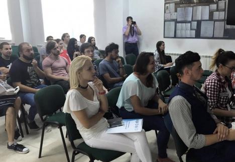 Pentagonul facultăţilor de fizică: Studenţi din 5 universităţi, reuniţi la Oradea