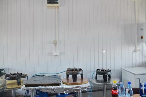 Piaţa Obor s-a înnoit: în locul gheretelor dărăpănate are chioşcuri uniforme (FOTO)