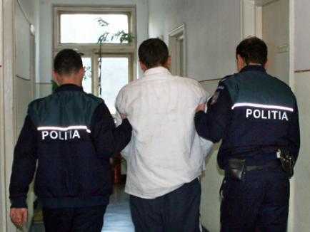 A furat o plasă cu 30.000 de euro de la un valutist din Beiuş