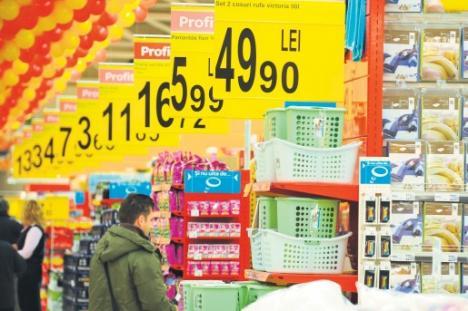 Adevăratul Black Friday: Supermarketurile, acuzate că scumpesc nejustificat preţurile la alimente