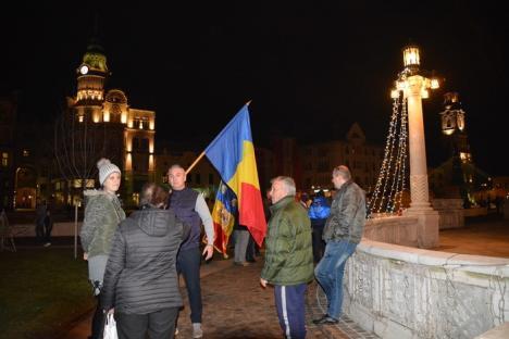Cu Paraziţii, în Piaţa Unirii: Un nou protest anti PSD, în centrul Oradiei, cu steaguri şi muzică (FOTO/VIDEO)