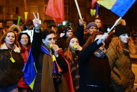 'Nu vrem să fim o naţie de hoţi!'. Noi proteste împotriva modificării Legilor Justiţiei, anunţate pentru duminică, inclusiv la Oradea
