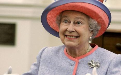 Dezvăluiri 'Paradise Papers': Cum îşi ascund liderii lumii averile. Printre ei, şi regina Marii Britanii