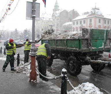 Primăria aminteşte: cine nu curăţă zăpada, plăteşte!