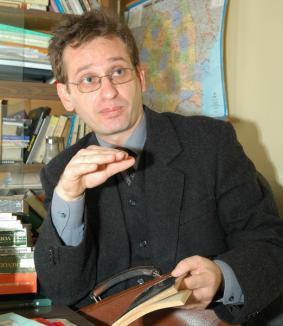 Carte despre istoricul Silviu Dragomir, lansată la Oradea