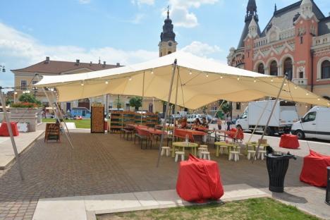 Piaţa deliciilor: Sute de orădeni, la debutul Street Food Festival în Piaţa Unirii (FOTO)