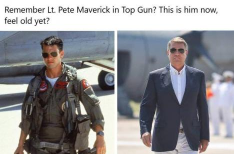 Iohannis, viral pe Facebook: Noul look al preşedintelui, cu ochelari de soare gen Top Gun, a stârnit avalanşă de comentarii pe reţelele sociale (FOTO / VIDEO)