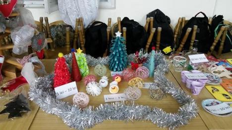 Mai buni, de Crăciun: Târg caritabil la Colegiul Traian Vuia, pentru elevii sărmani din şcoală (FOTO)