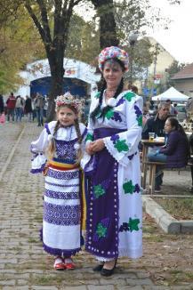 Târgul Pălincarilor: Parcul Nicolae Bălcescu s-a umplut de lume (FOTO)