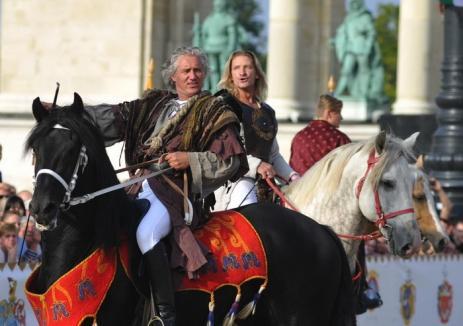 Asociaţia Sfântul Ladislau: Spectacolele de teatru ecvestru din Cetatea Oradea se amână