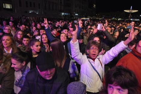 Toamna Orădeană, cu 'lipici': Mii de oameni şi în Cetate, şi în Piaţa Unirii. Solistul trupei Zdob şi Zdub: 'E festivalul perfect!' (FOTO/VIDEO)