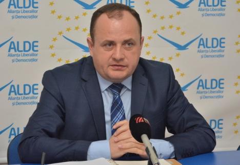 Liderul ALDE Bihor, Traian Bodea, consideră că primarul Bolojan s-a pripit să mărească impozitele în Oradea