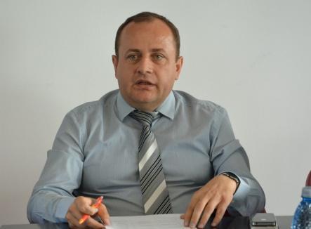 La mâna patronului: Vicepreședintele CJ Traian Bodea își ține soția la firmă pe salariul minim