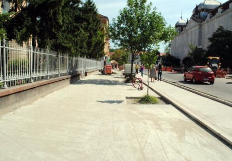 Primăria Oradea: Lărgirea trotuarului din strada Republicii va trebui terminată până la sfârşitul lui iulie (FOTO)