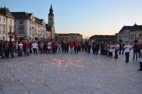 Nu uitaţi de sărmani! Piaţa Unirii, loc de rugăciune pentru săracii Bihorului (FOTO/VIDEO)