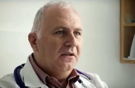 Un medic din Bihor, care a preferat să lucreze într-un sat decât să plece în străinătate, dat model pentru toată ţara (VIDEO)