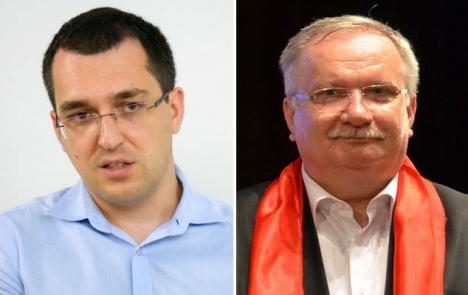 """Fostul ministru Voiculescu îl pune la punct pe Mang: """"Când o să tai panglica împreună cu pretenarul Bodog…"""""""