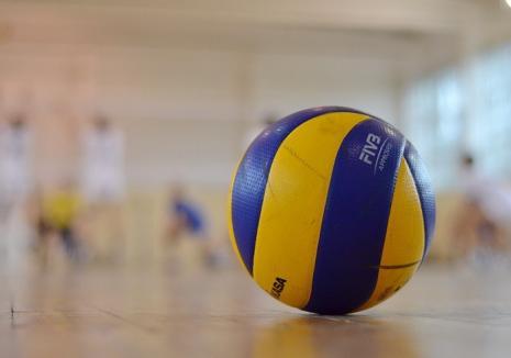 Voleibalistele de la CSU Oradea s-au impus cu 3-1 în disputa cu CSU Medicina CNUE Tg. Mureş şi rămân pe podium