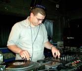 DJ Error în Parlament: Deputatul USR Silviu Dehelean îşi dorea să ajungă un DJ renumit