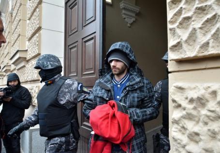 Criminalul Rogia rămâne după gratii! Tribunalul Bihor a prelungit cu 30 de zile măsura arestului preventiv