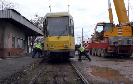 Primele tramvaie second-hand din Germania au ajuns în Oradea (VIDEO)