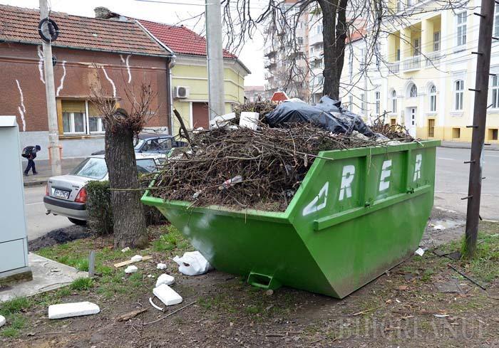 PE LOCURI, FIŢI GATA... Prima etapă a campaniei de curăţenie generală din această primăvară începe luni, 29 februarie, în jumătatea de oraş de pe malul stâng al Crişului Repede