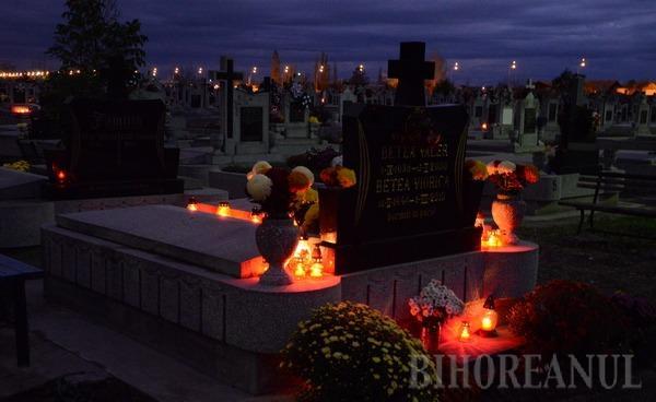 Orădenii nu s-au înghesuit să aprindă lumânări de Ziua Morţilor (FOTO)