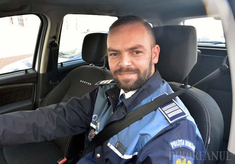 """""""RĂUL"""" NECESAR. Sebastian Drimbe (foto) crede că şoferii ar trebui să înceteze să mai vadă """"duşmani"""" în poliţiştii din trafic. """"Nu există şofer care, tras pe dreapta de 10 ori, să nu fi scăpat de 5 ori de amenzi, primind doar avertismente. Acelea nu prezintă interes, fiindcă nu l-au ars la buzunar, dar pentru orice amendă se revoltă pe Facebook"""""""