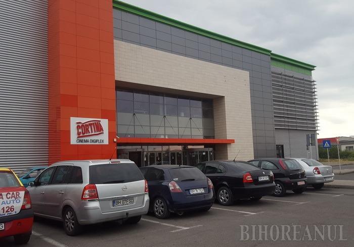 S-a închis Cinema Cortina. Oradea Shopping City, în faliment!
