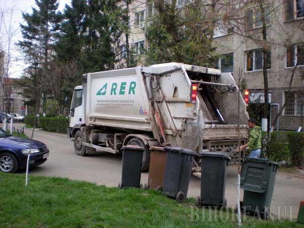 Asociaţiile şi-au plătit restanţele la gunoi