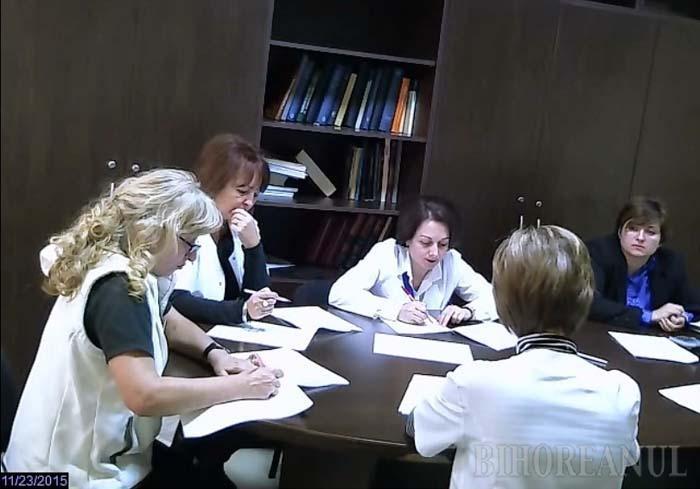 LA PĂSTRARE. Primul concurs filmat la Spitalul Judeţean, inclusiv corectarea lucrărilor şi susţinerea interviurilor şi probelor practice, a avut loc anul trecut pe 11 noiembrie, pentru angajarea unui asistent de radiologie, pretendenţii aflând pe loc greşelile făcute şi punctajele primite. Înregistrările se păstrează apoi timp de cel puţin 5 ani
