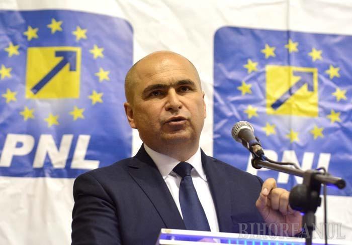 """PE LEGE... În ciuda """"îngălbenirii"""" evidente a CA-urilor de la CAO şi OTL, primarul Ilie Bolojan (foto), prim-vicepreşedinte PNL, neagă că acestea ar fi fost constituite pe criterii politice. """"Vă asigur că toată procedura a fost corectă"""", susţine liberalul"""