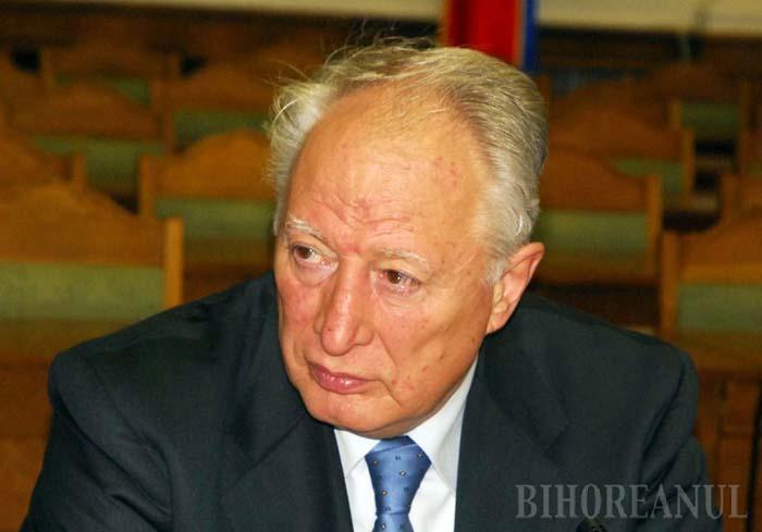 """PERSECUŢIE, PERSZE. În ciuda probelor zdrobitoare, patronul Keviep, Miklossy Ferenc (foto), a pretins în faţa procurorilor DNA Oradea că n-a comis nicio ilegalitate şi s-a plâns că e """"persecutat din motive de ordin etnic şi politic"""". Acelaşi refren pe care îl îngână şi reprezentanţii UDMR de câte ori sunt prinşi cu fapte de corupţie, dar care nu l-a împiedicat, totuşi, să-şi păstreze afacerile din România care îi aduc bani grei"""