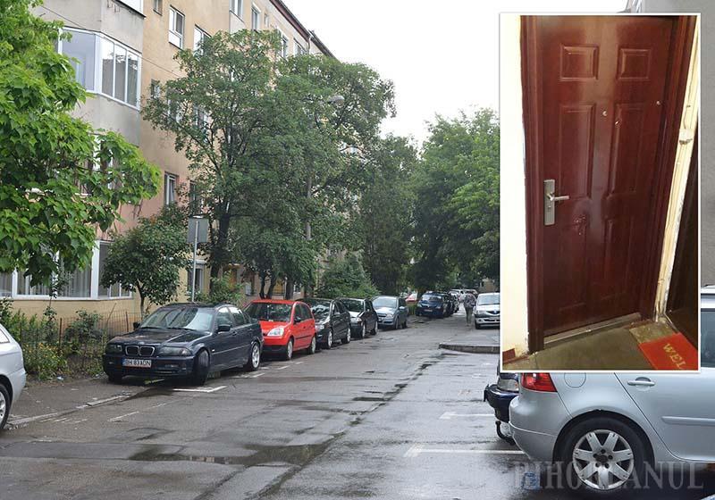 ÎNSEMNAŢI. Unul dintre vecinii cu care orădeanul de 30 ani a ajuns în conflict s-a trezit cu un cuţit înfipt în vizorul uşii, urmele înţepăturilor fiind vizibile. Şi nu e singurul, căci şi alţii s-au plâns de el la Poliţie după ce s-au trezit cu uşile zgâriate