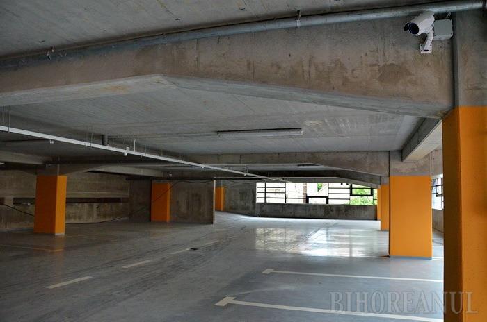 Parcarea supraetajată din spatele Tribunalului va fi recepţionată pe 30 aprilie (FOTO)