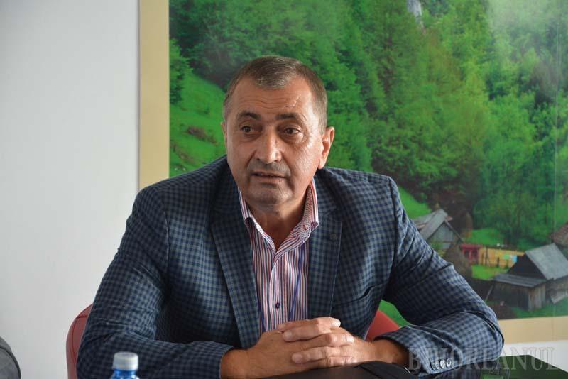 Retrospectiva săptămânii, prin ochii lui Bihorel: Şeful Aeroportului se gândeşte la ce mănâncă gura lu' ăia de la Bucureşti