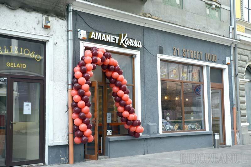 În ciuda primarului: Pe pietonala Alecsandri din Oradea a răsărit și o casă de amanet!