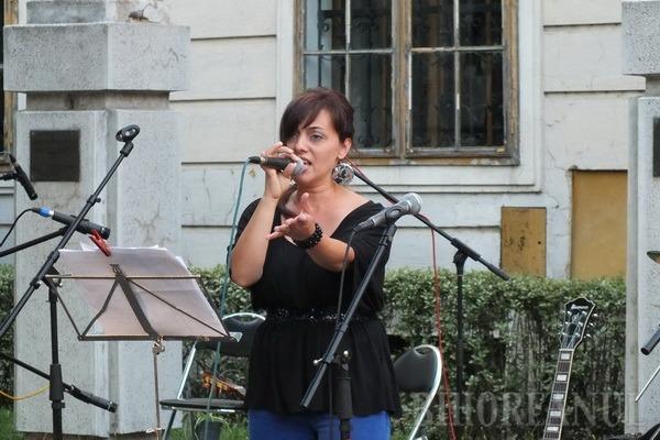 Artiştii orădeni au cântat pentru pace în lume (FOTO)