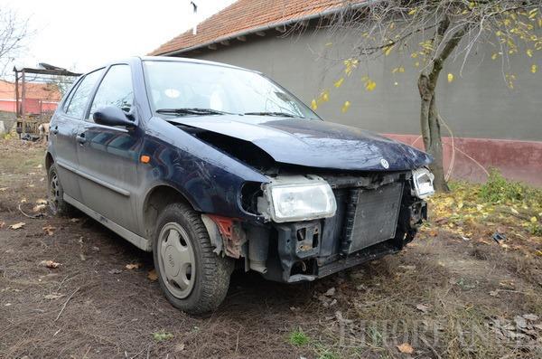 Divorţ frontal: Pentru că nevasta l-a lăsat, s-a răzbunat lovind-o cu maşina (FOTO)