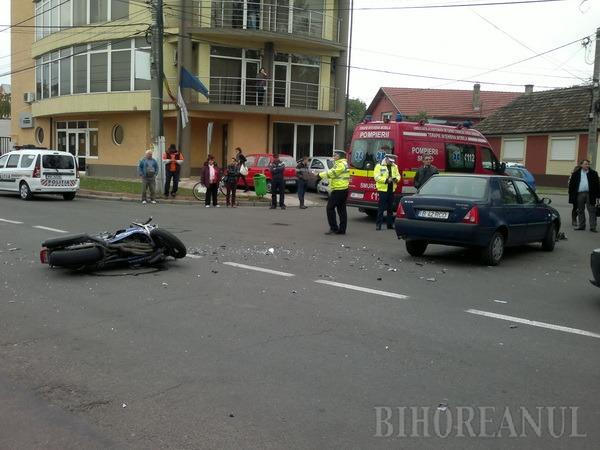 Motociclist grav accidentat în Parcul Ţăranilor de un şofer neatent (FOTO)