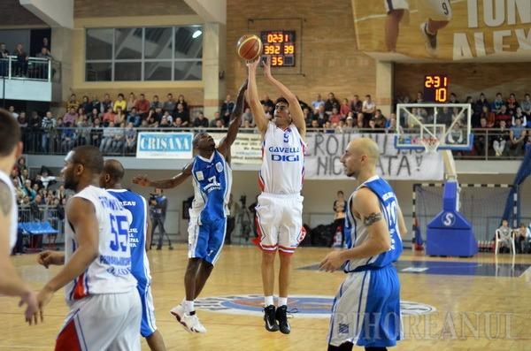 Final magic: Orădenii au învins Craiova şi sunt liderii autoritari ai Ligii Naţionale la baschet masculin (FOTO)