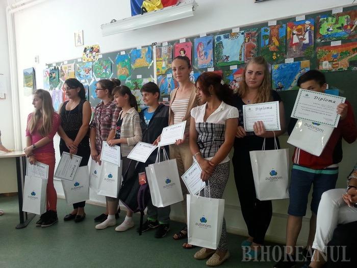 """Proiectul educaţional """"O carte pentru cei ce n-au"""" continuă, la Copăcel (FOTO)"""