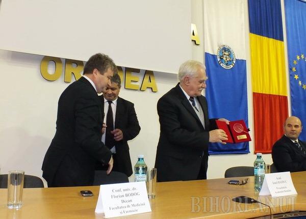 Şefii Academiei Române susţin înfiinţarea unui centru de cercetări academice la Oradea (FOTO)