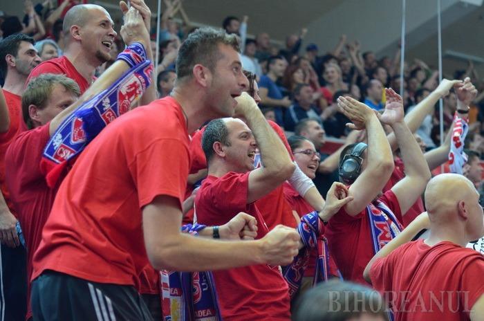 Baschetbaliştii au câştigat primul meci cu BC Mureș. Vedeta: Dillon, care a înscris din cealaltă jumătate de teren, în ultima secundă (FOTO/VIDEO)