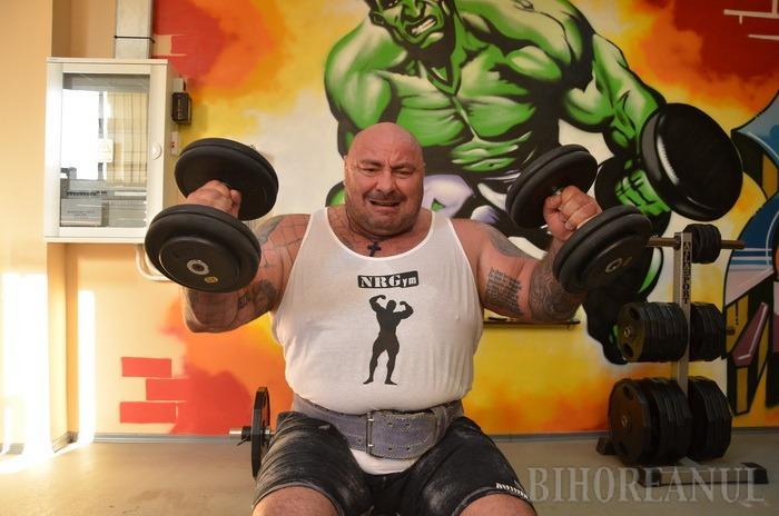 Record extrem: Luptătorul Alexandru Lungu s-a antrenat timp de 8 ore încontinuu! (FOTO / VIDEO)